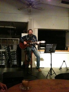 Hosting and playing at songwriters night at Bjergtrolden in Roskilde